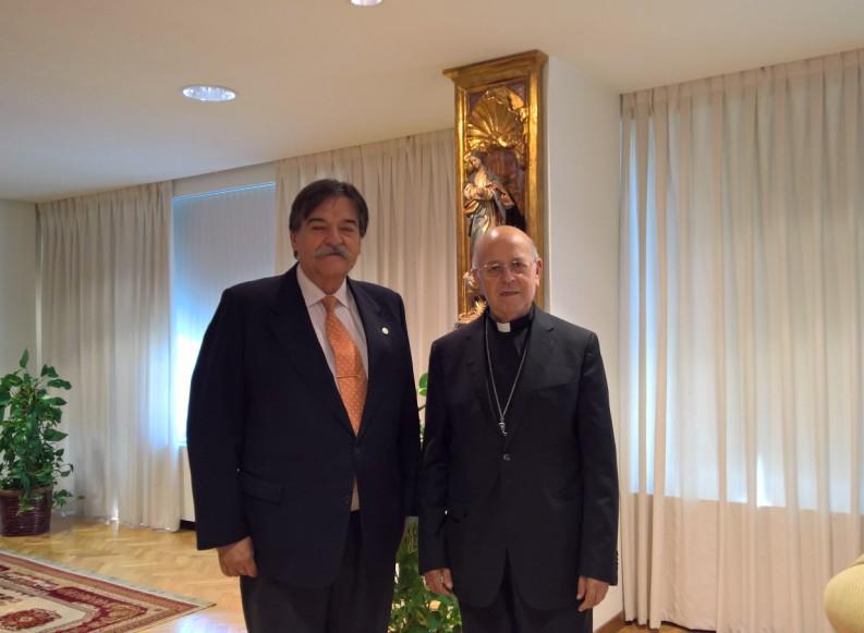 Le Président de la CEE (Conférence épiscopale espagnole) reçoit, le président de l'OMAEC