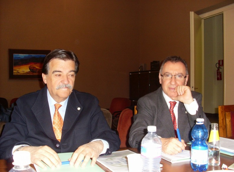 OMAEC- Presidente y Secretario General